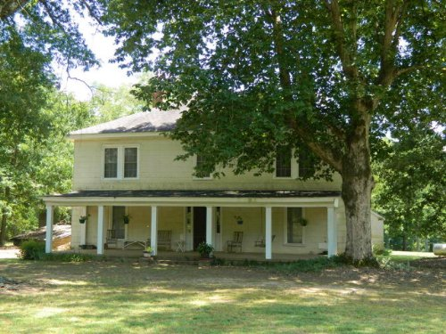 Country Farmhouse On 2+ Acres : Carlton : Oglethorpe County : Georgia
