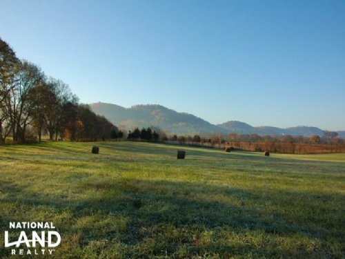 East Tennessee Farm & Farmhouse : New Market : Jefferson County : Tennessee