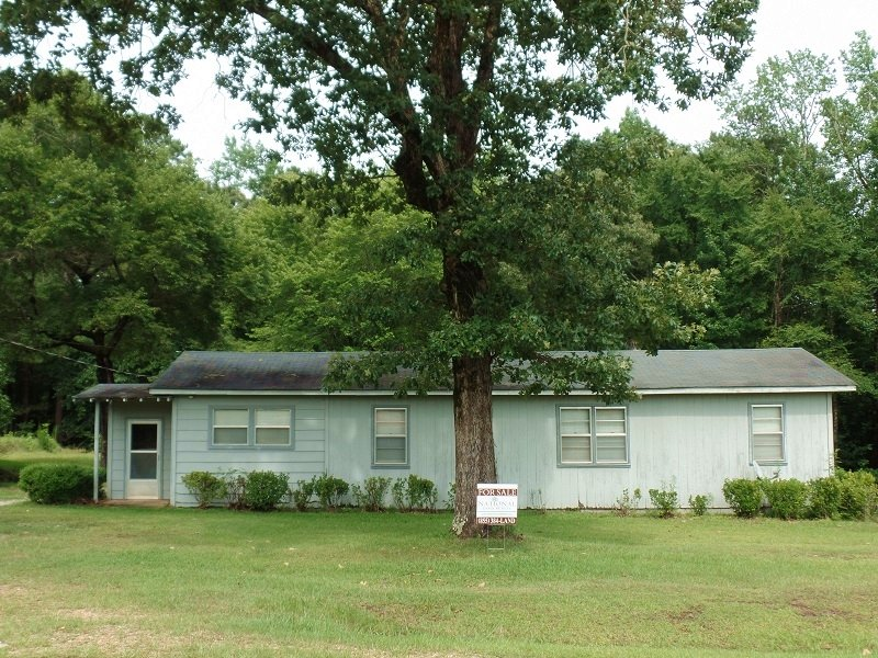 Country Home & 4 Acres : Chunky : Newton County : Mississippi