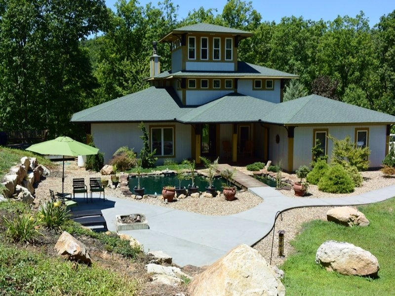 Butterfly Gap Bed & Breakfast : Maryville : Blount County : Tennessee