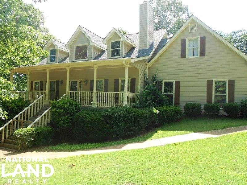 Secluded Estate : Gillsville : Hall County : Georgia