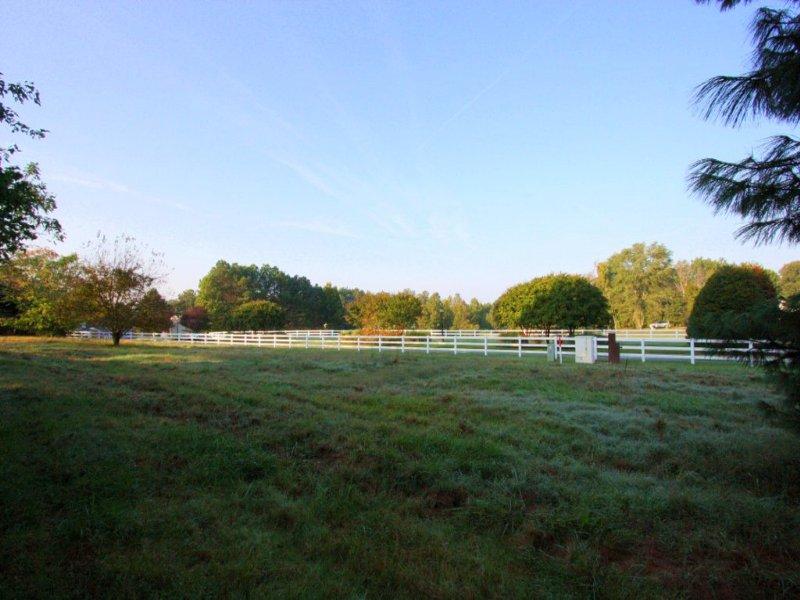 2-story Farm House On 3 Acres : Mechanicsville : Hanover County : Virginia
