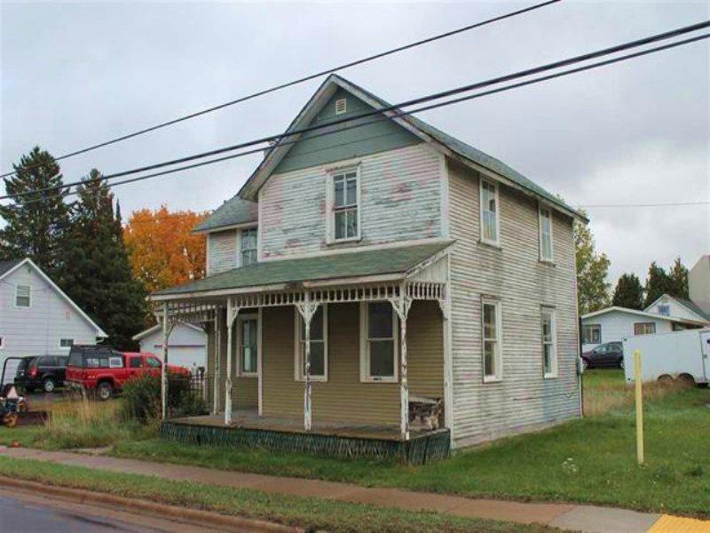 310 Michigan Ave., Mls# 1090890 : Baraga : Baraga County : Michigan