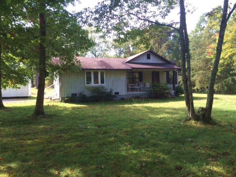 3 Br Home & 1.8 Acres : Grimsley : Fentress County : Tennessee