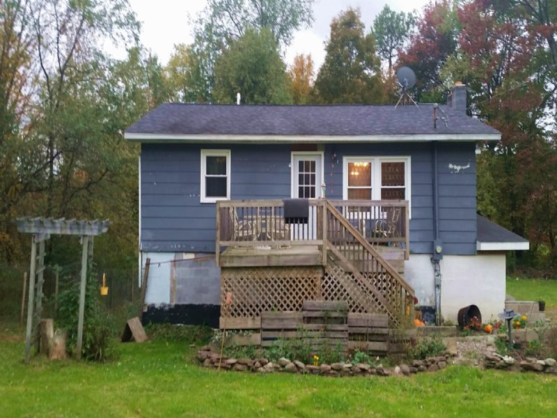 Country Cottage - Near Salmon River : Altmar : Oswego County : New York