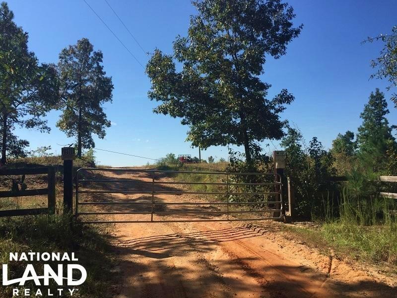 Tan Trough Creek Recreational Homes : Deatsville : Elmore County : Alabama