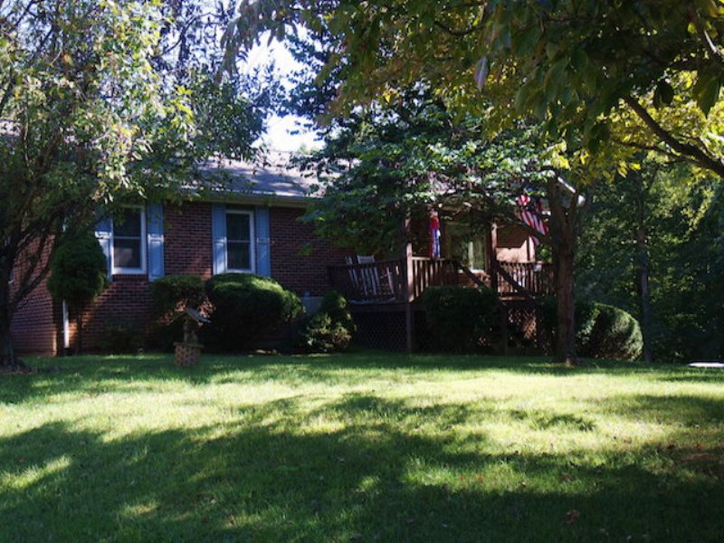 3br/2ba Home W/pool On 4.7+/- Acres : Rochelle : Madison County : Virginia