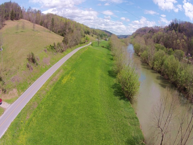 River Front Retreat : Sneedville : Hancock County : Tennessee