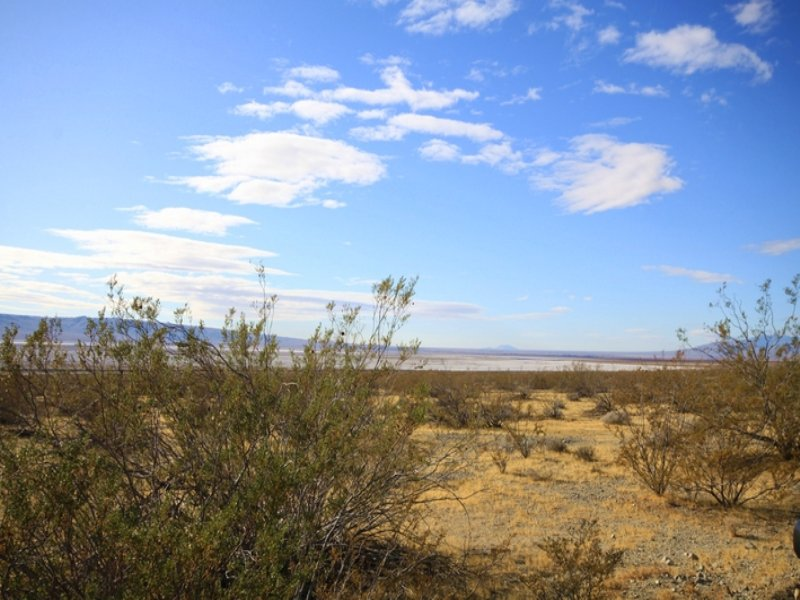 2.5 Acre Land, W/road Access : Edwards Afb : Kern County : California