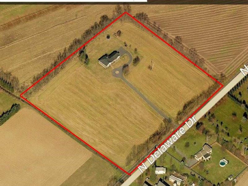 3 Bedroom Ranch On 8+/- Acres : Bangor : Northampton County : Pennsylvania