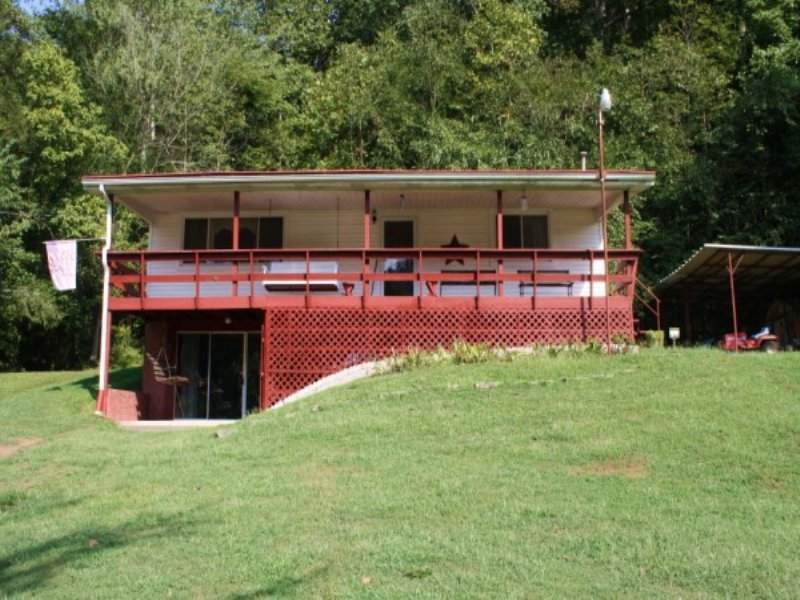 9 Acres With Well Maintained Home : Clendenin : Kanawha County : West Virginia