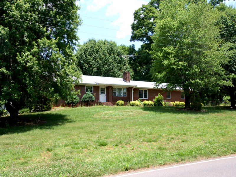 Absolute Auction Home And 2.97 Ac. : Lewisville : Forsyth County : North Carolina