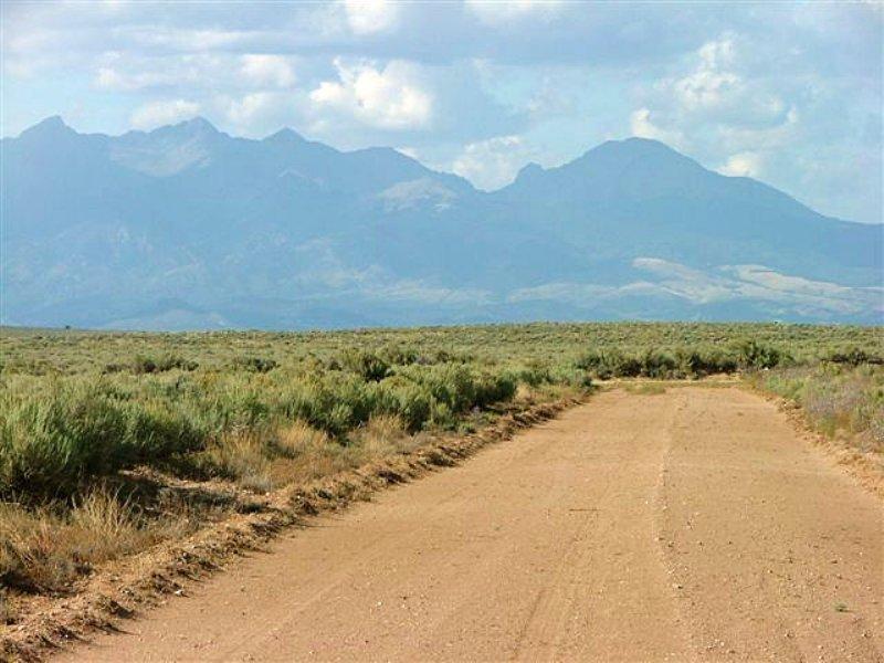 16.5 Acres San Luis Valley Estates : San Luis : Costilla County : Colorado