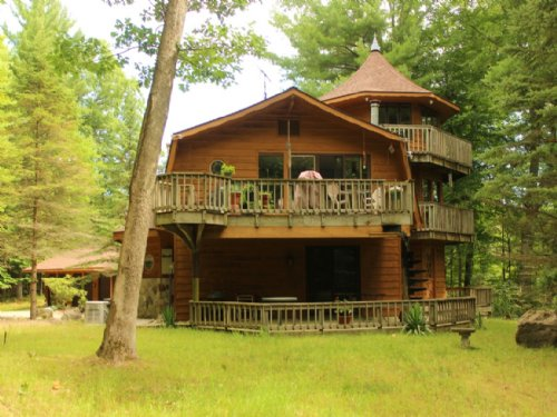 Very Private Setting On 22.9 Acres : Newaygo County : Michigan