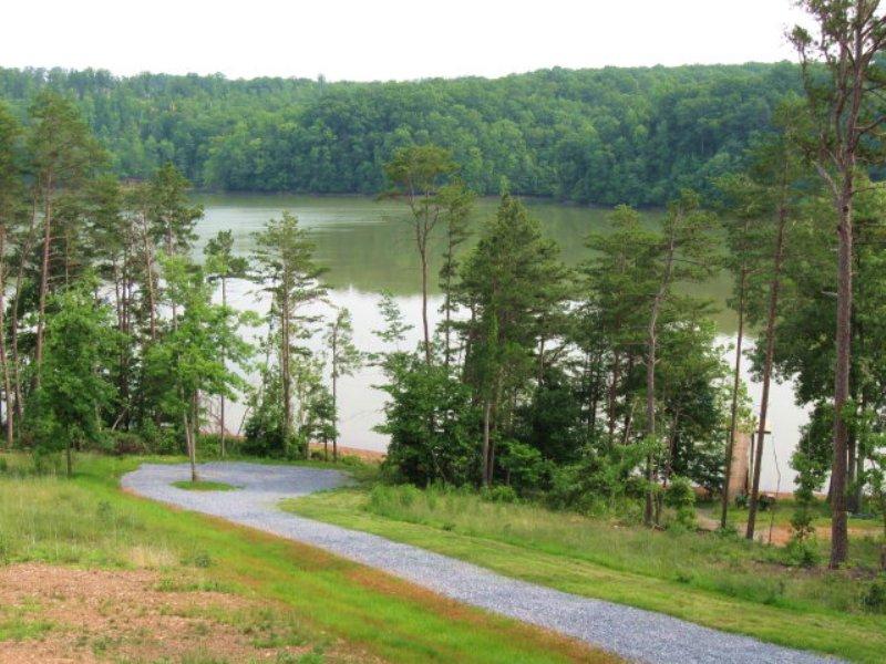 Leesville Lake Acreage : Huddleston : Bedford County : Virginia