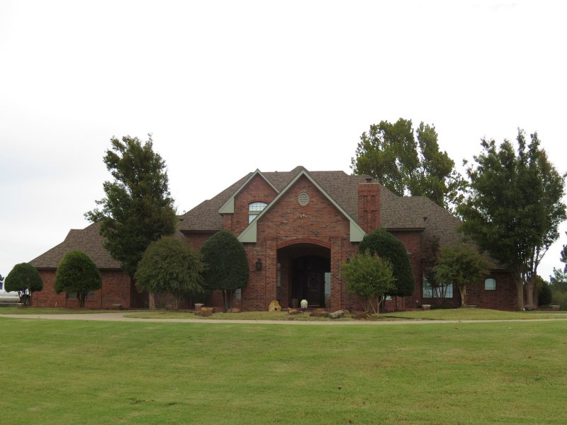 Beautiful Home On 164 Acres : Pauls Valley : Garvin County : Oklahoma